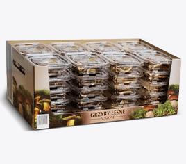 karton z suszonymi grzybami w plastikowych pudełkach